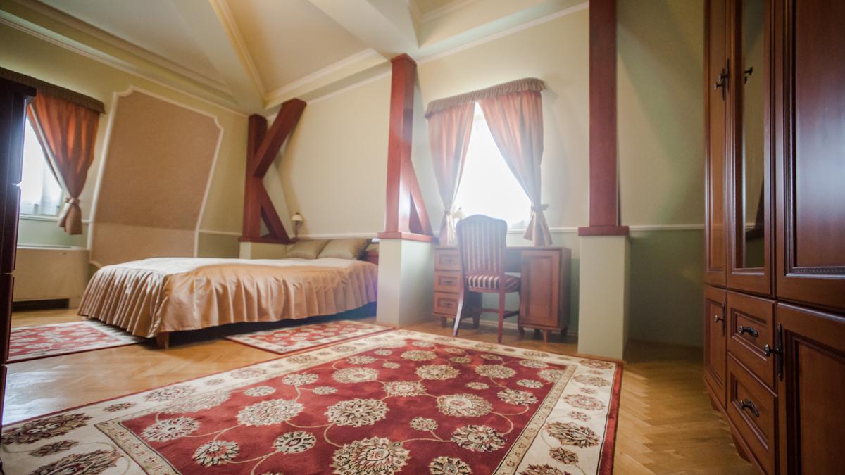 Vörös Kastély szálloda és étterem szálláshely Kunbaracs