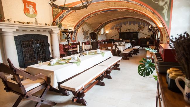 Vörös Kastély étterem